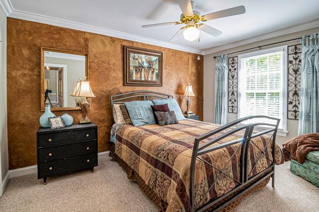 Decorative wood veneers for bedrooms