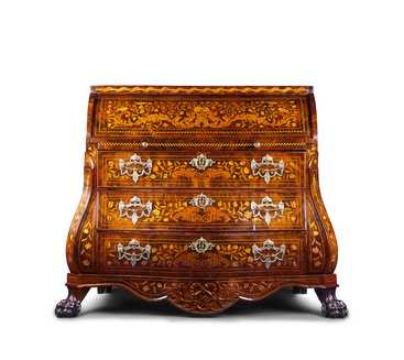 he extravagant Renaissance period could well have been renamed the veneer period thanks to the extensive use of this woodworking practice